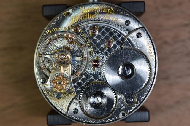 Reparatur Uhr innen
